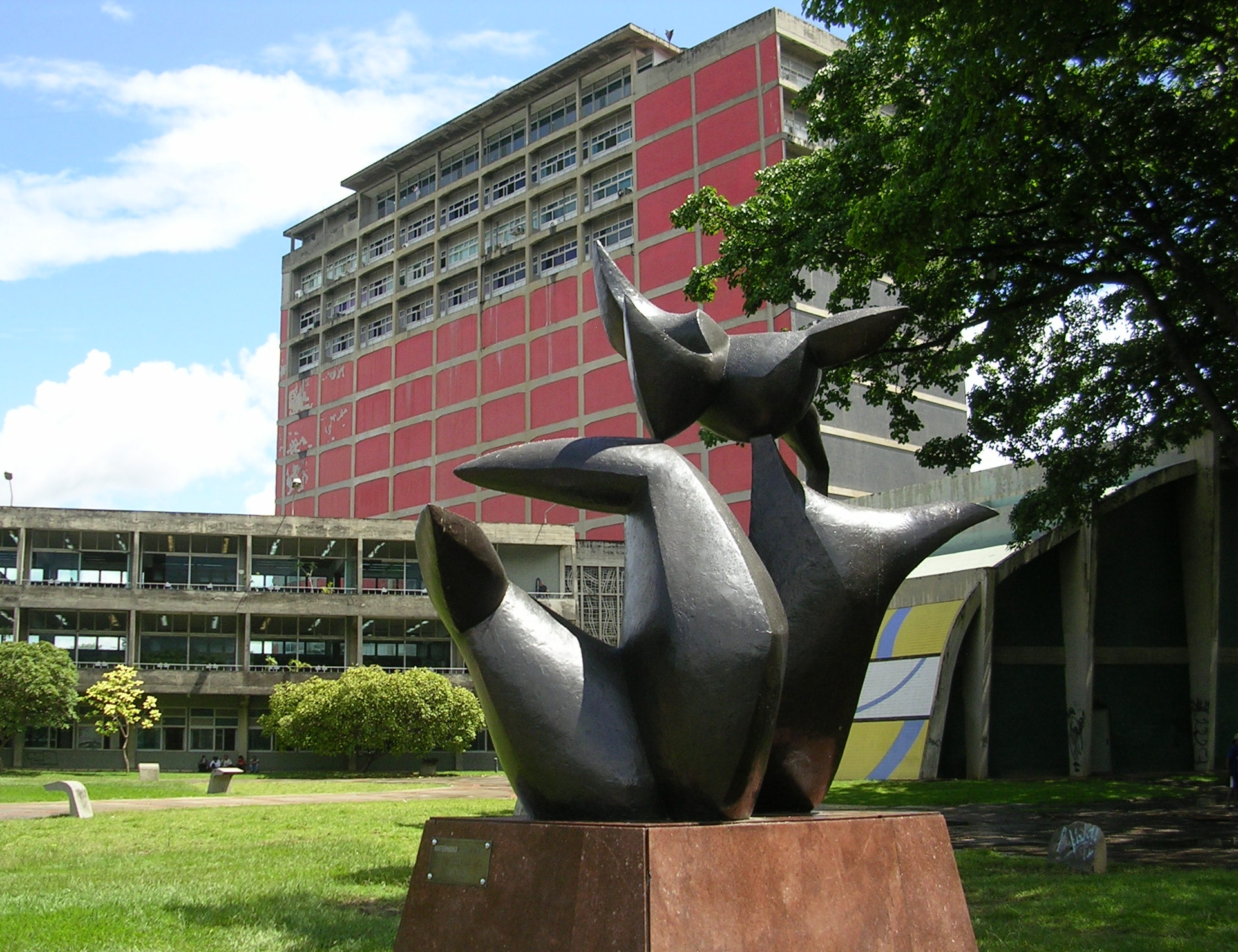 Tres universidades entre las mejores — VENEZUELA